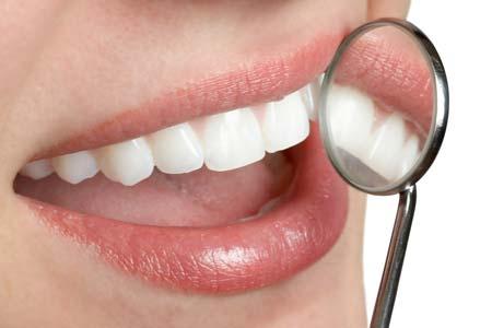белые пятна на зубах ребенка