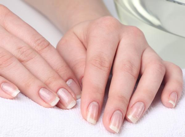 белые пятна на ногтях пальцев рук ног